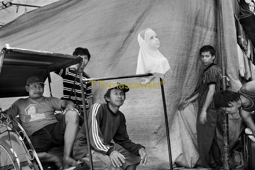 Handlarze uliczni na wyspie Jawa w Indonezji